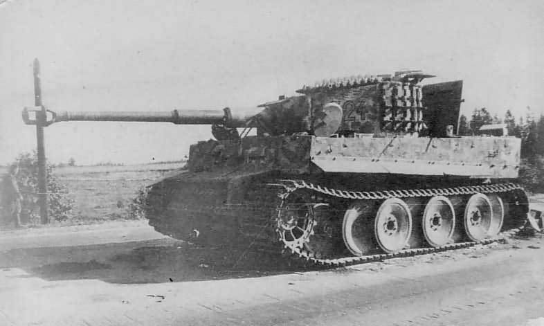 Tiger of the Schwere Panzer Abteilung 501, tank number 324. Eastern front