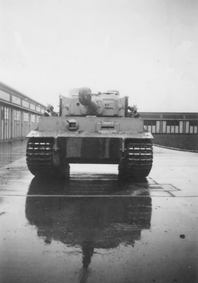 Tiger tank 13