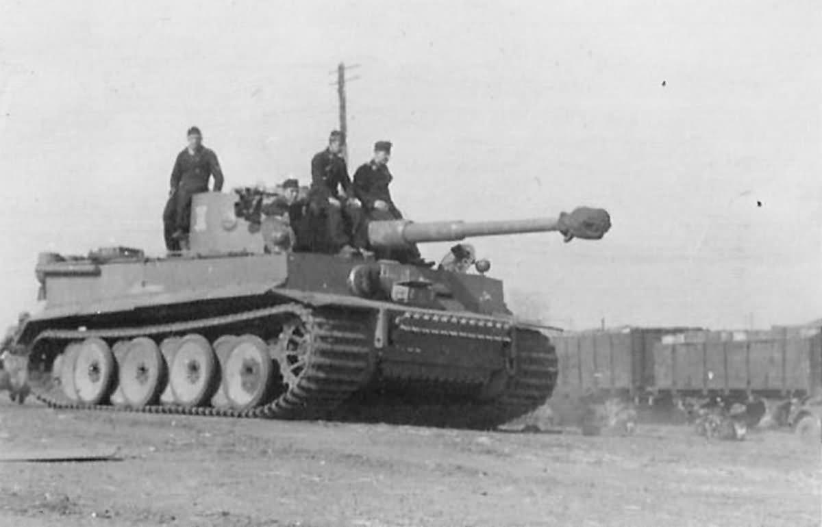 Tiger I tank code II of Schwere Panzer-Abteilung 505 1943