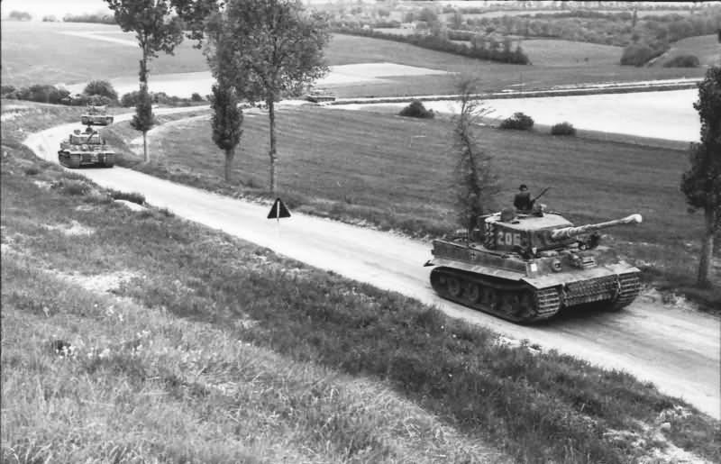 Panzer VI Tiger Ausf E of schwere SS-Panzer-Abteilung 101, tank number 205 – Normandy 1944