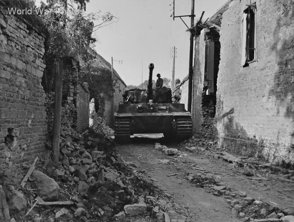 Tiger tank of the Schwere SS Panzer Abteilung 102, Normandy August 1944