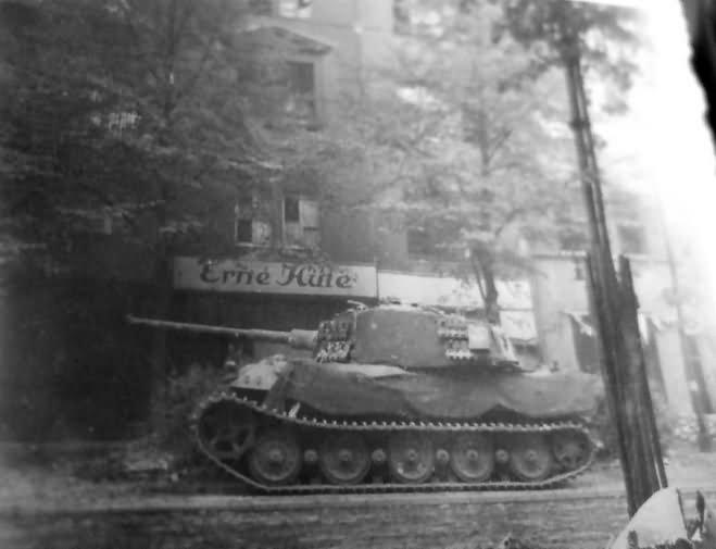 king tiger of schwere ss panzer abteilung 503 pariser strasse berlin april 1945 world war photos. Black Bedroom Furniture Sets. Home Design Ideas