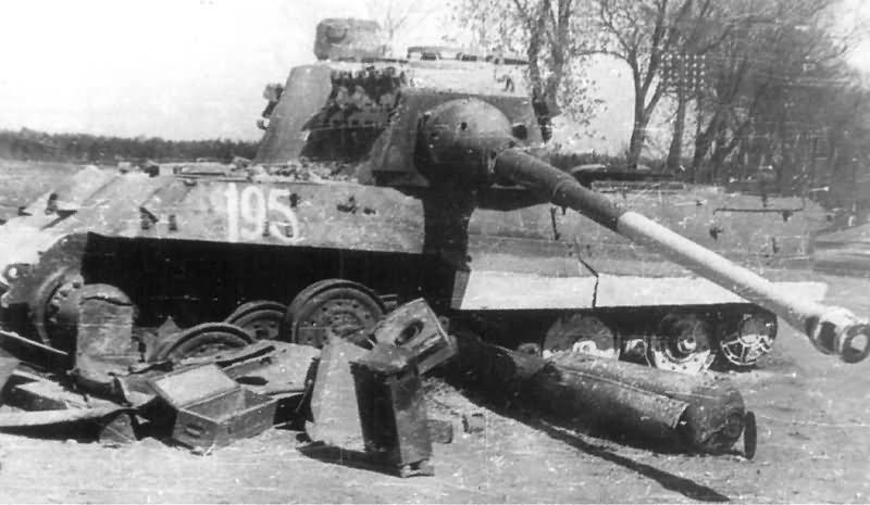 tiger 2 tank of the schwere panzer abteilung 509 eastern. Black Bedroom Furniture Sets. Home Design Ideas