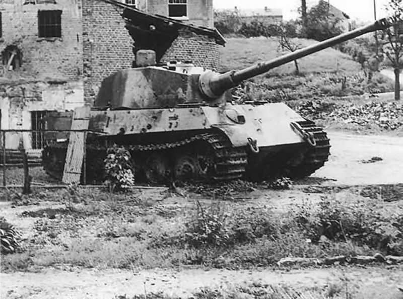 king tiger tank number 222 of the schwere ss panzer. Black Bedroom Furniture Sets. Home Design Ideas