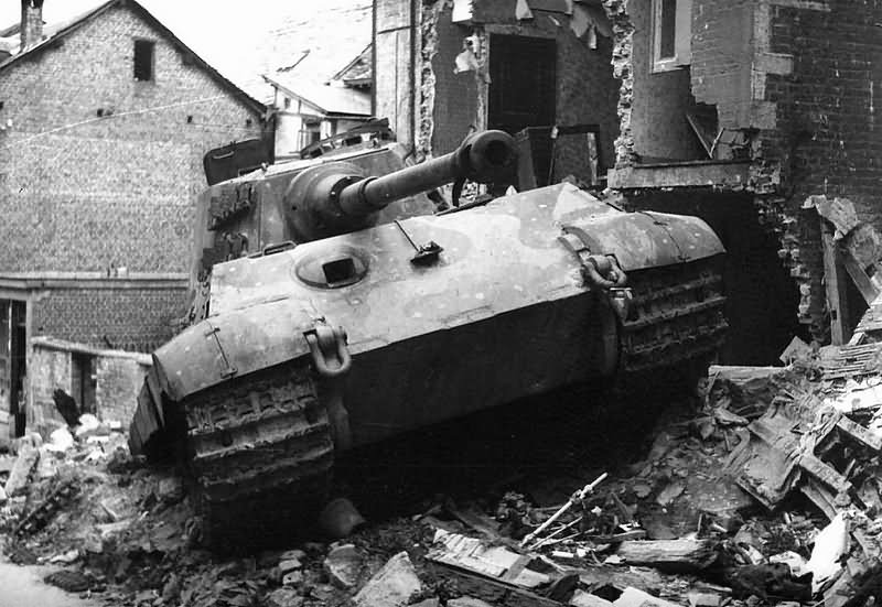 king tiger tank of the schwere ss panzer abteilung 501 tank number 105 stavelot december 1944. Black Bedroom Furniture Sets. Home Design Ideas