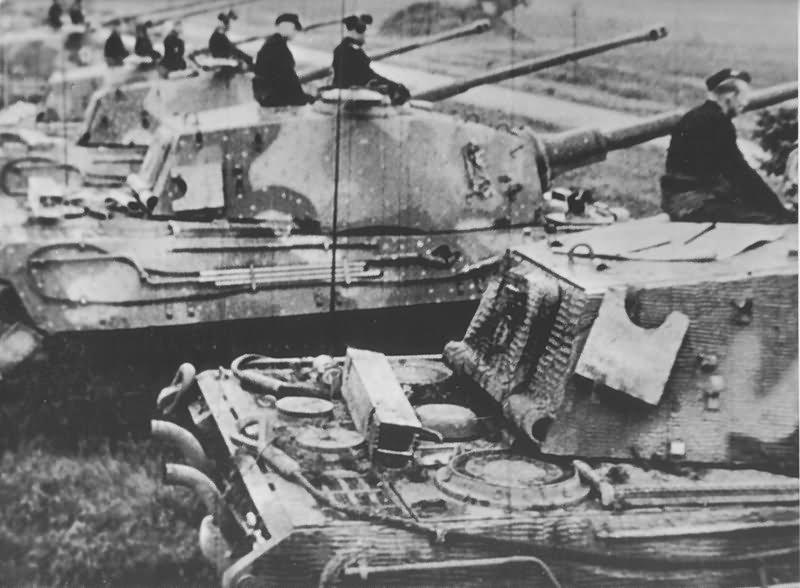 Tiger 2 Tank Henschel Turret With Zimmerit World War Photos