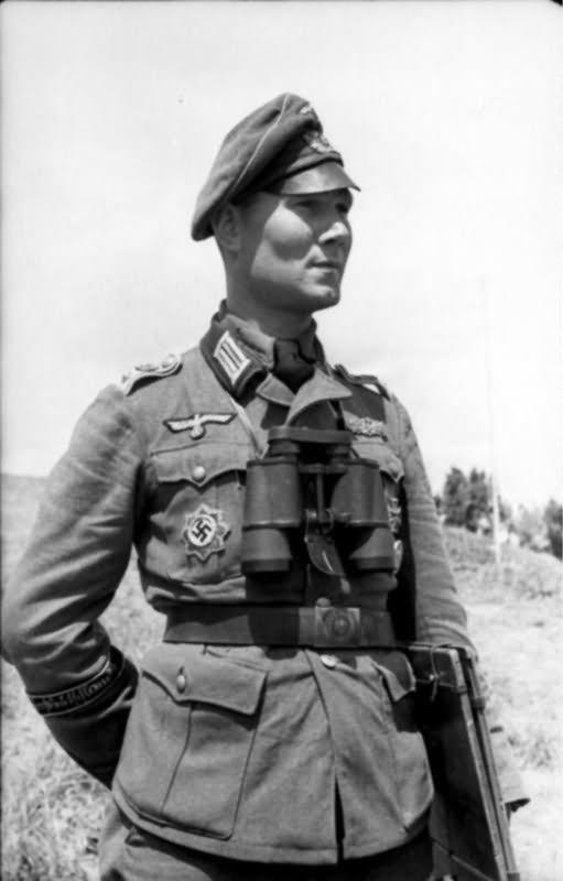 Grossdeutschland 712 0474 03A Oberleutnant Bruno Kikillus   World
