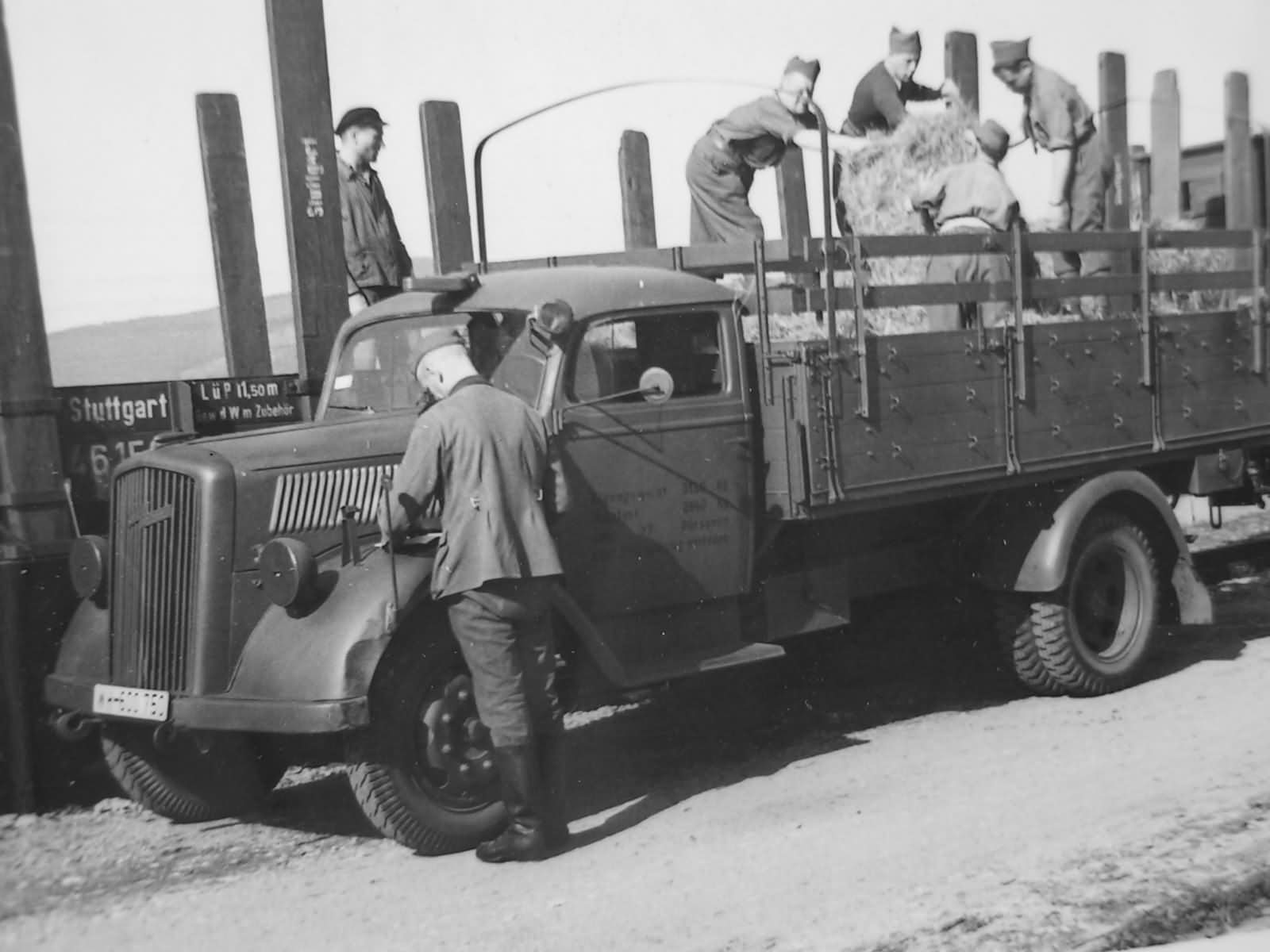 opel blitz wehrmacht truck lastkraftwagen lkw | world war photos