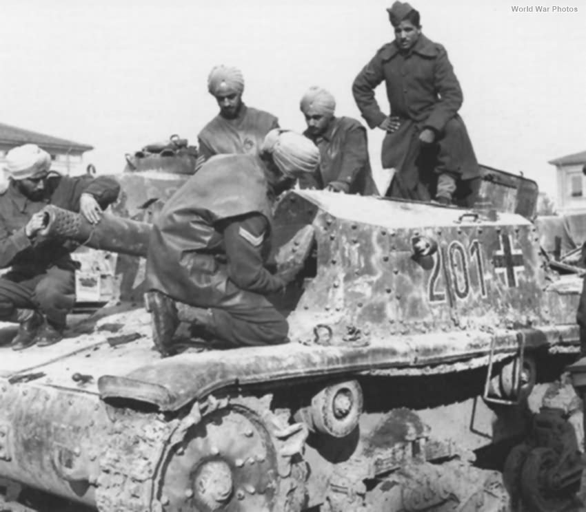 Captured StuG M 42 201, Italy