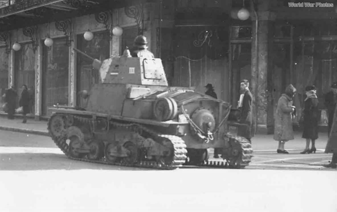 L6/40 Nicea 1942