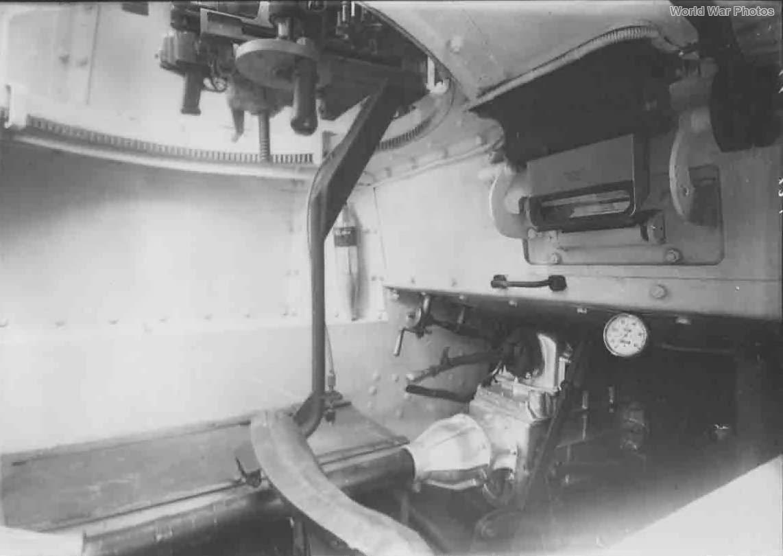 L6/40 interior