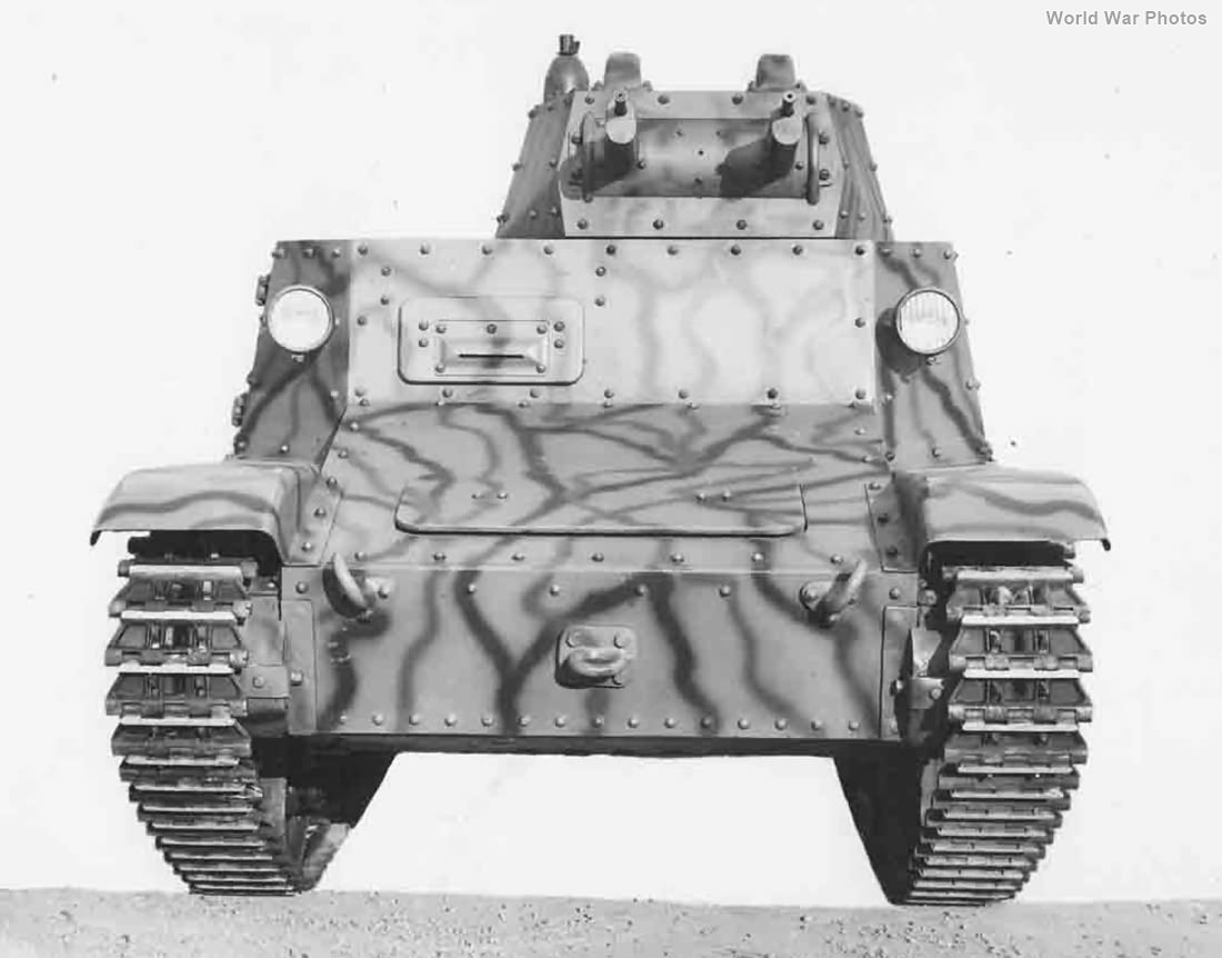 Protototype L6/40 1938 front view