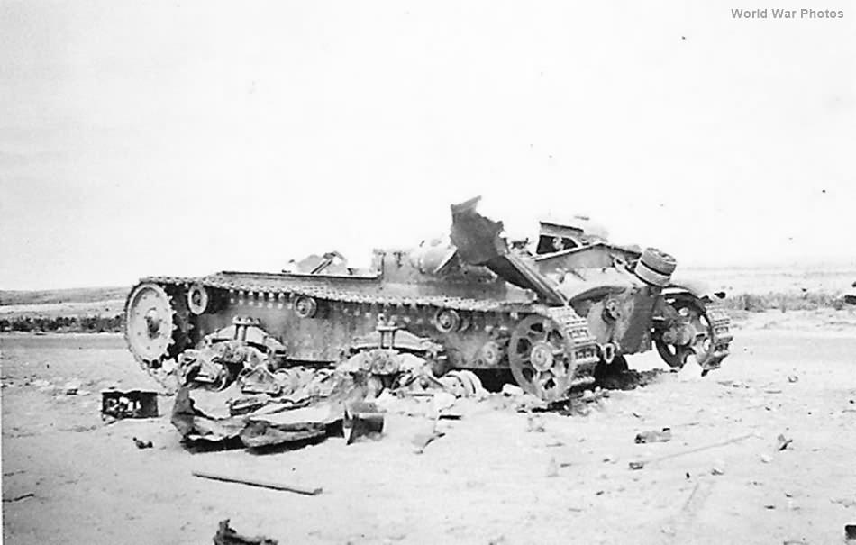 Destroyed M13/40 2