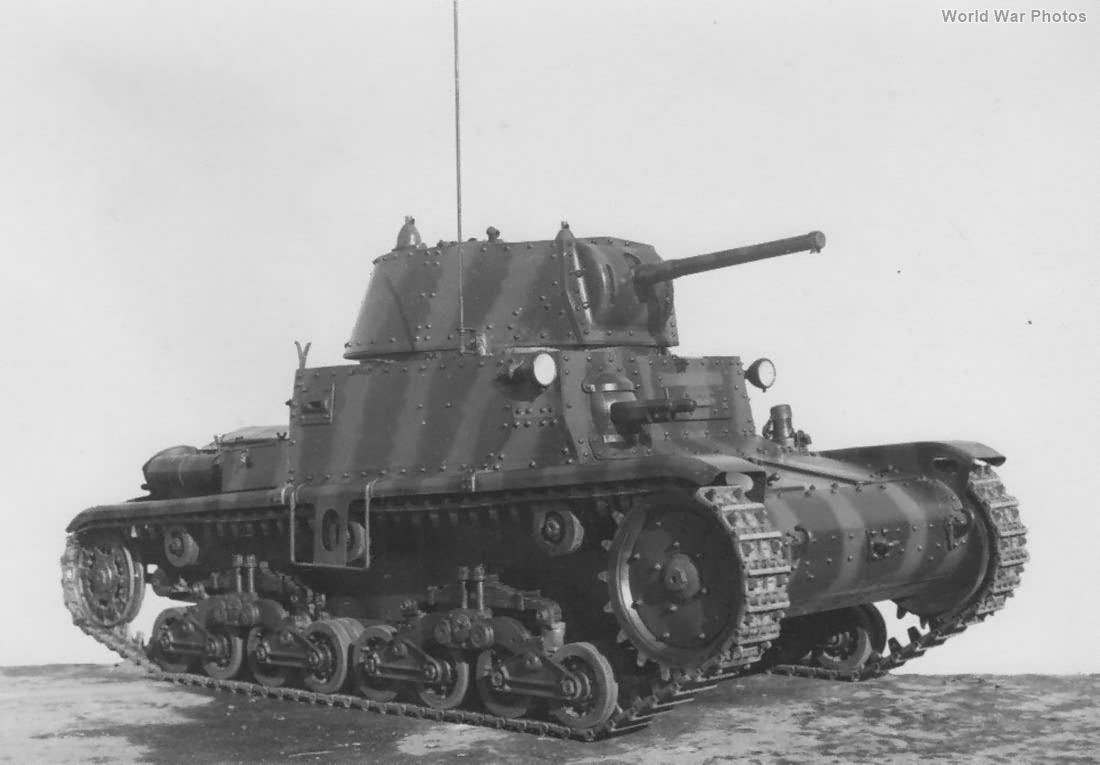 Early M13/40 3