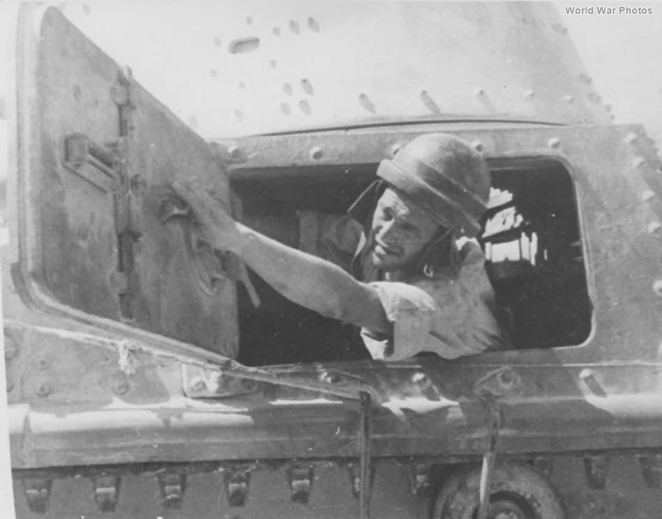 Italian Army tank crew