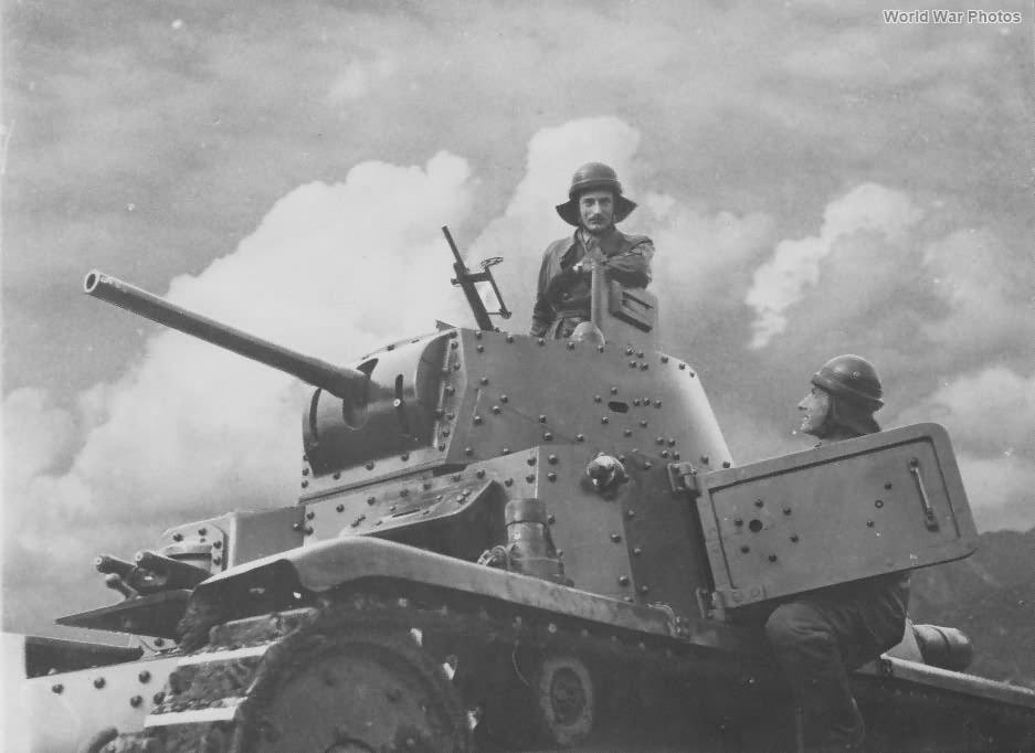 M13/40 Division Ariete Libia