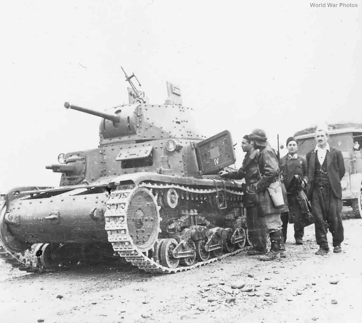 M13/40 of the IV Battaglione carri 2