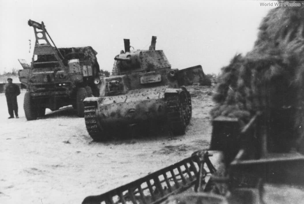 M13/40 Libya 1942