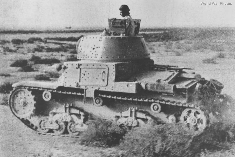 M13/40 in the North African desert