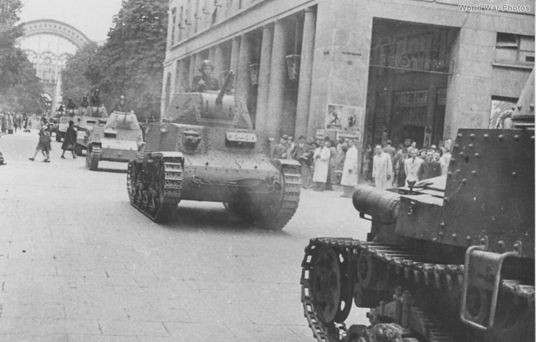 M13/40 tanks