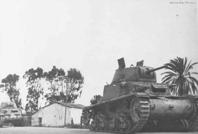 M13/40 tanks 4
