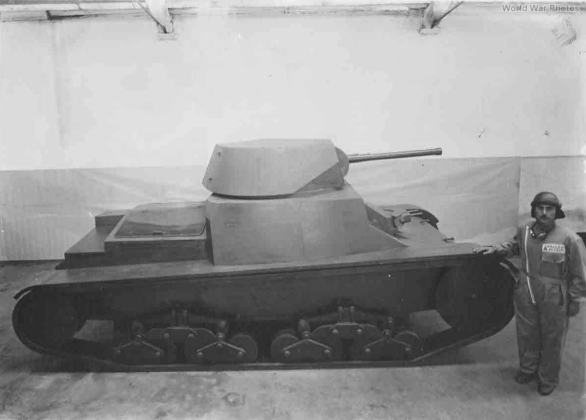 M13/40 wooden