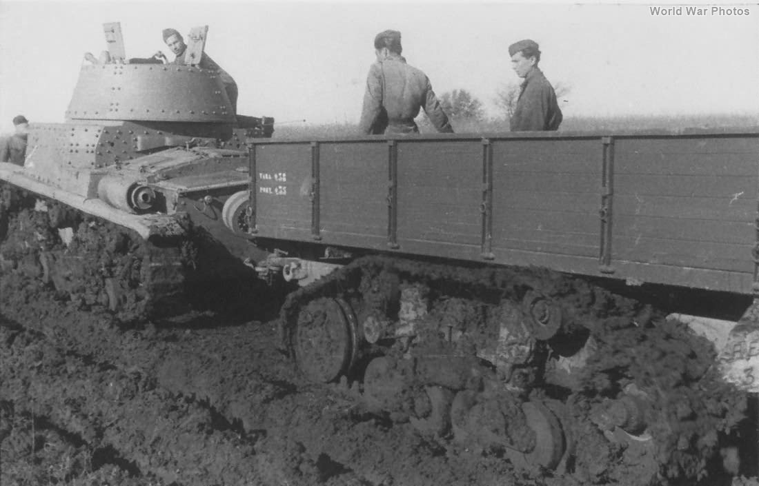 M15/42 and Viberti trailer with tracks