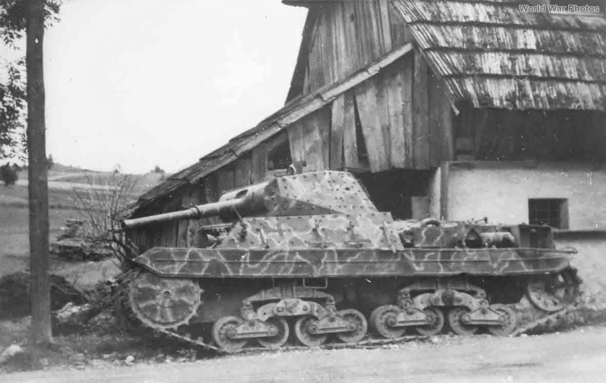 P40 121 Austria 1945