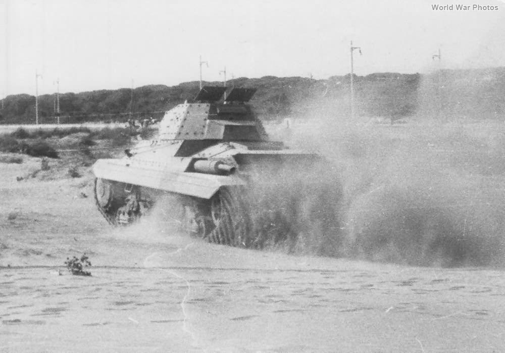 Italian tank Ansaldo P 40 1942 9