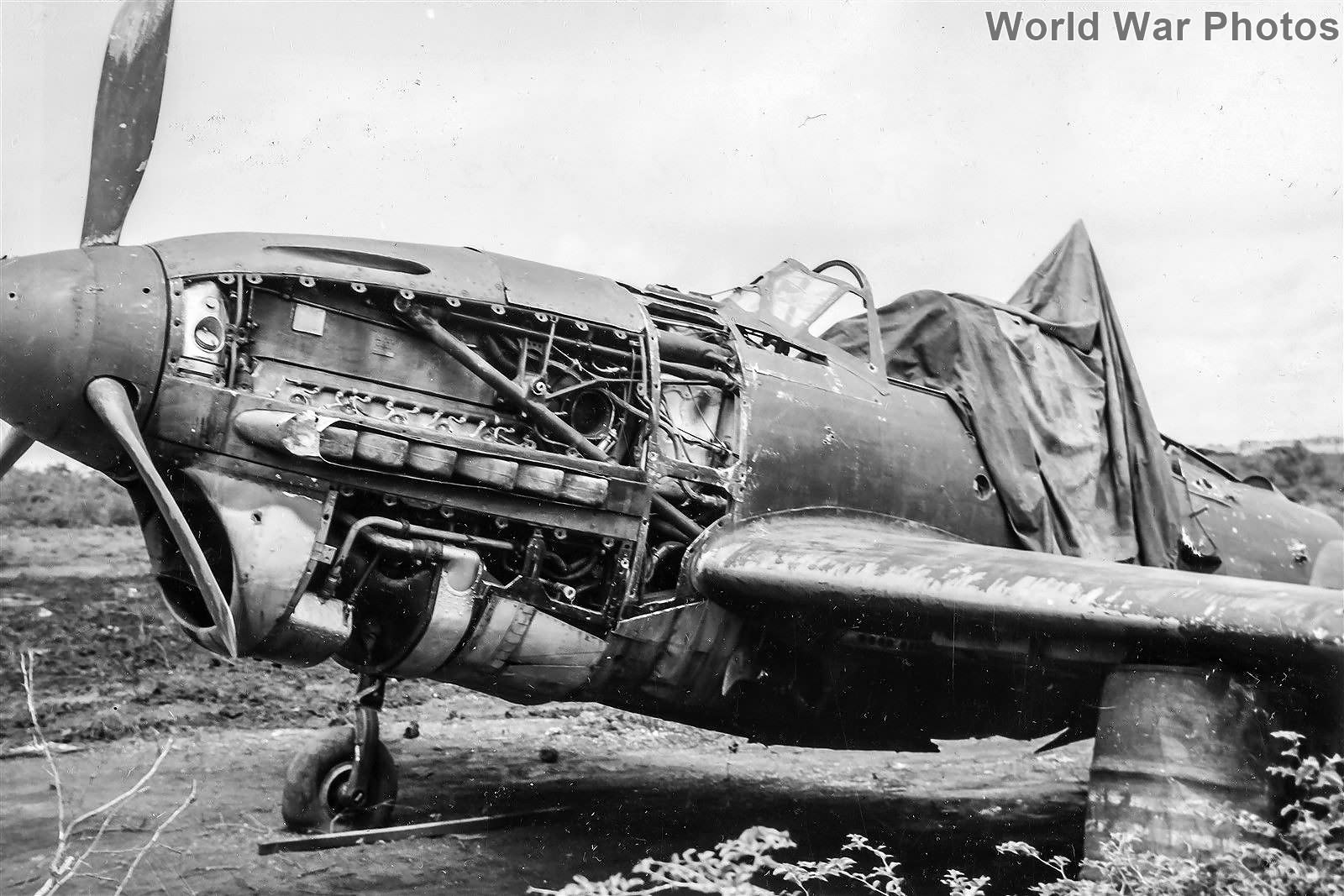 www.worldwarphotos.info/wp-content/gallery/japan/aircrafts/d4y/D4Y1_Suisei_engine_Saipan_jun44.jpg