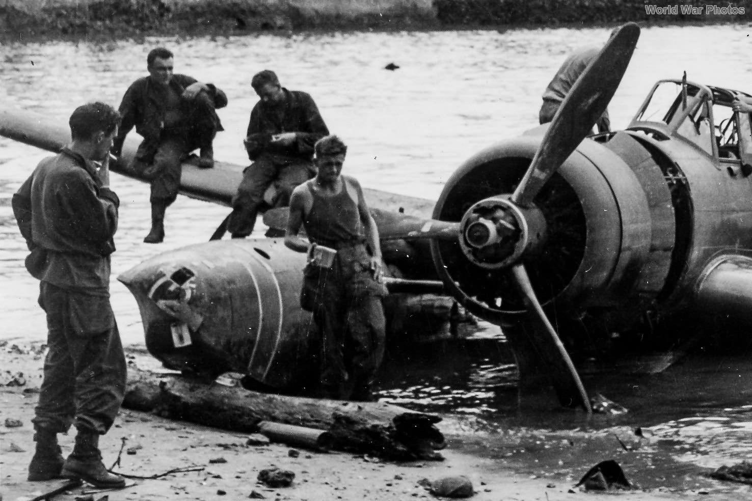 E13A Jake Palawan 1945