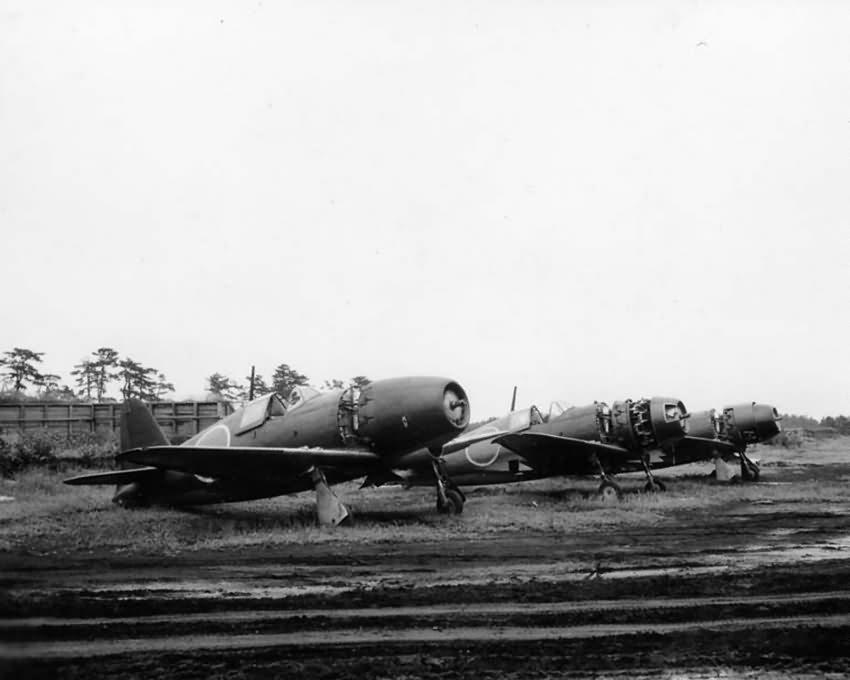 Mitsubishi J2M fighters 1945