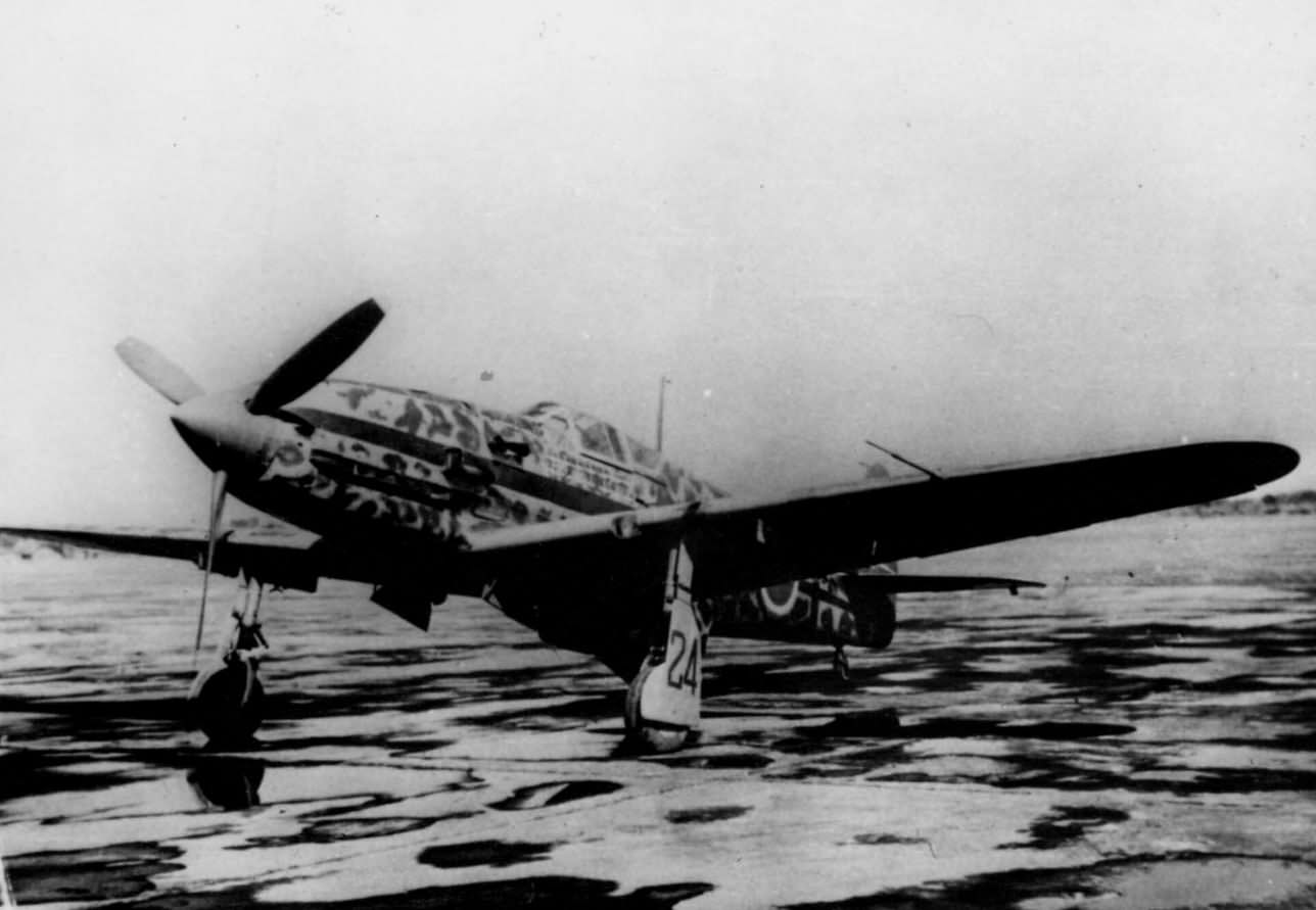 http://www.worldwarphotos.info/wp-content/gallery/japan/aircrafts/ki-61-hien/Ki-61-I-Tei_244th_Sentai_Maj_Teruhiko_Kobayashi_February_1945.jpg