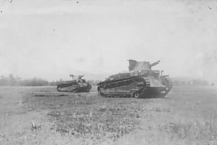 Japanese Type 89 tanks
