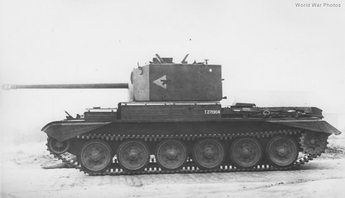Challenger tank T271904
