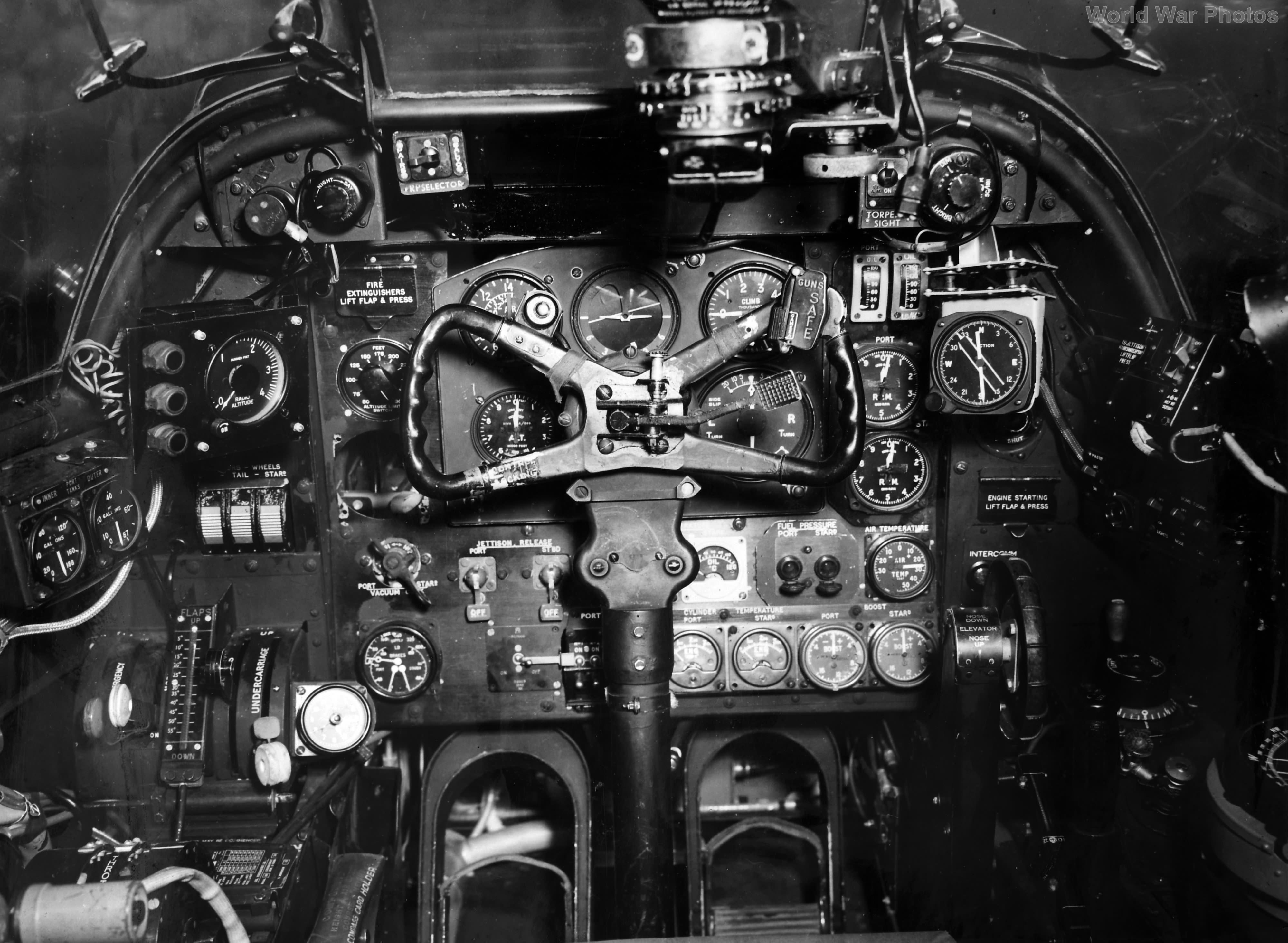 Bristol Beaufighter cockpit