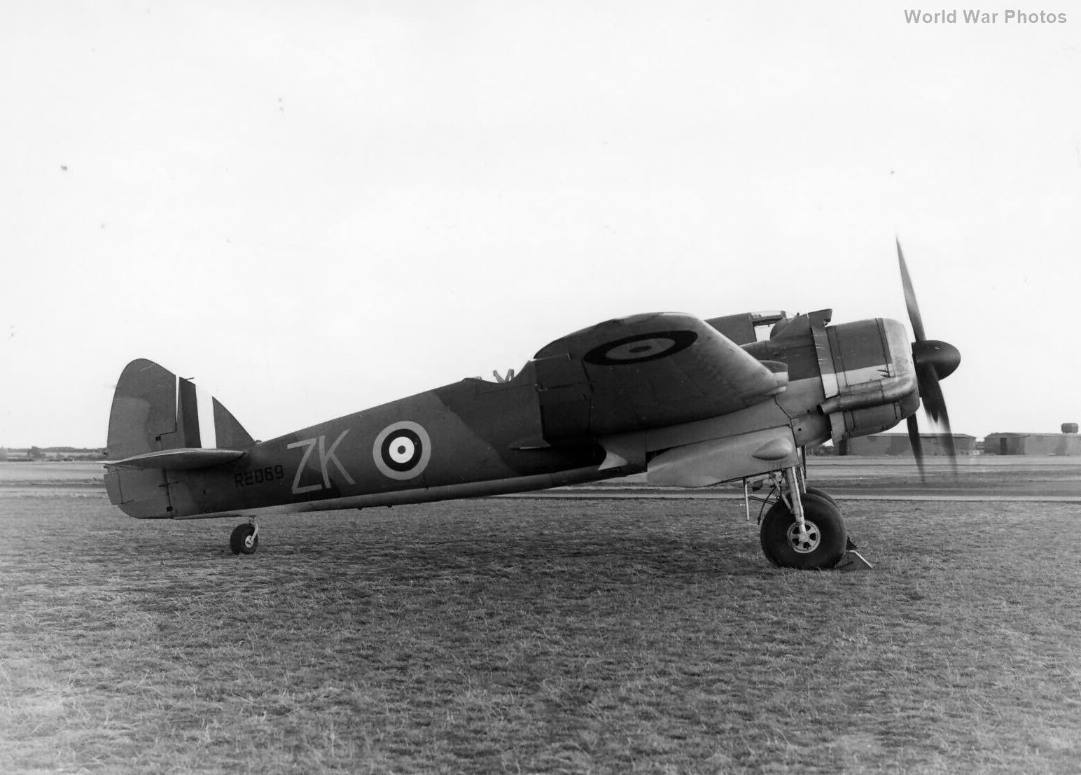 Beaufighter R2069 25 Sqn