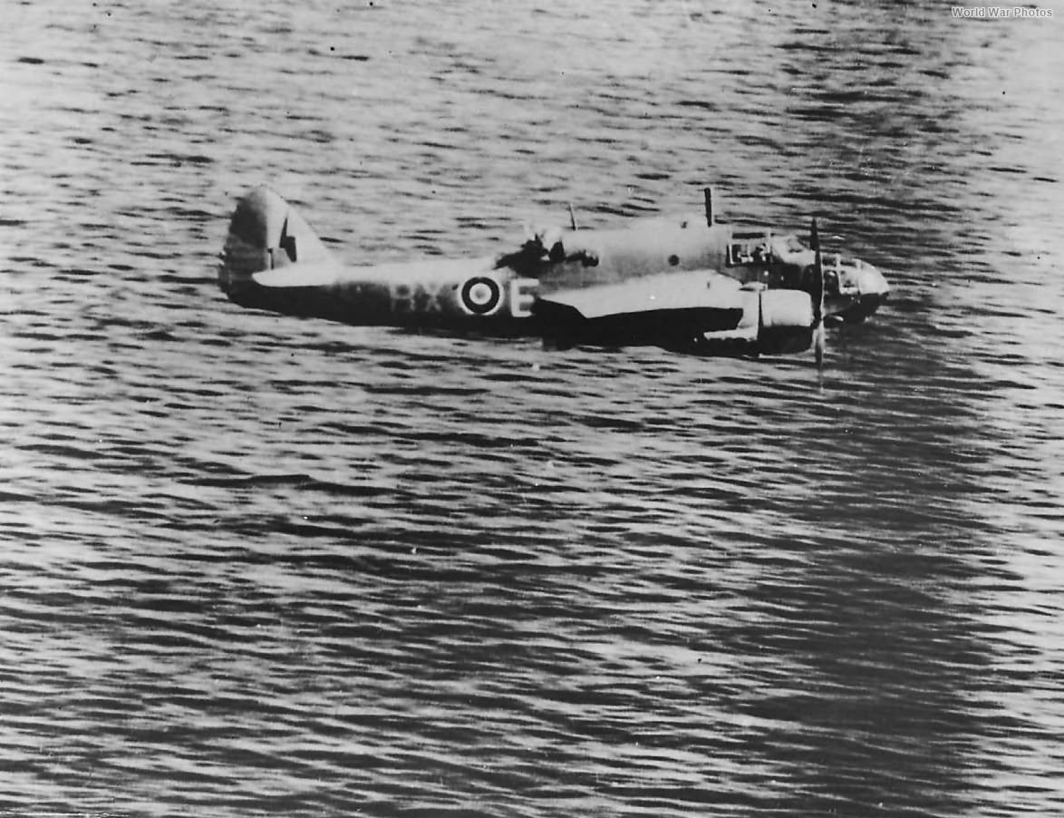 In-Air Beaufort BX-E AW251 86 Squadron 1942