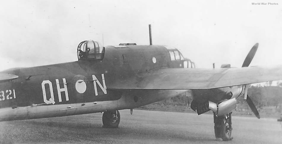 Beaufort Mk VIII A9-321 QH-N of 100 Squadron