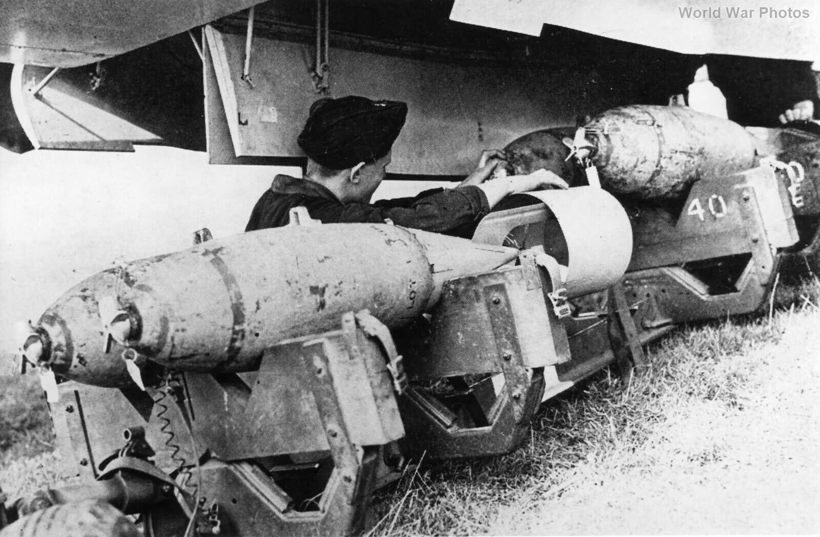 Blenheim 40 Sqn 250 lb bombs