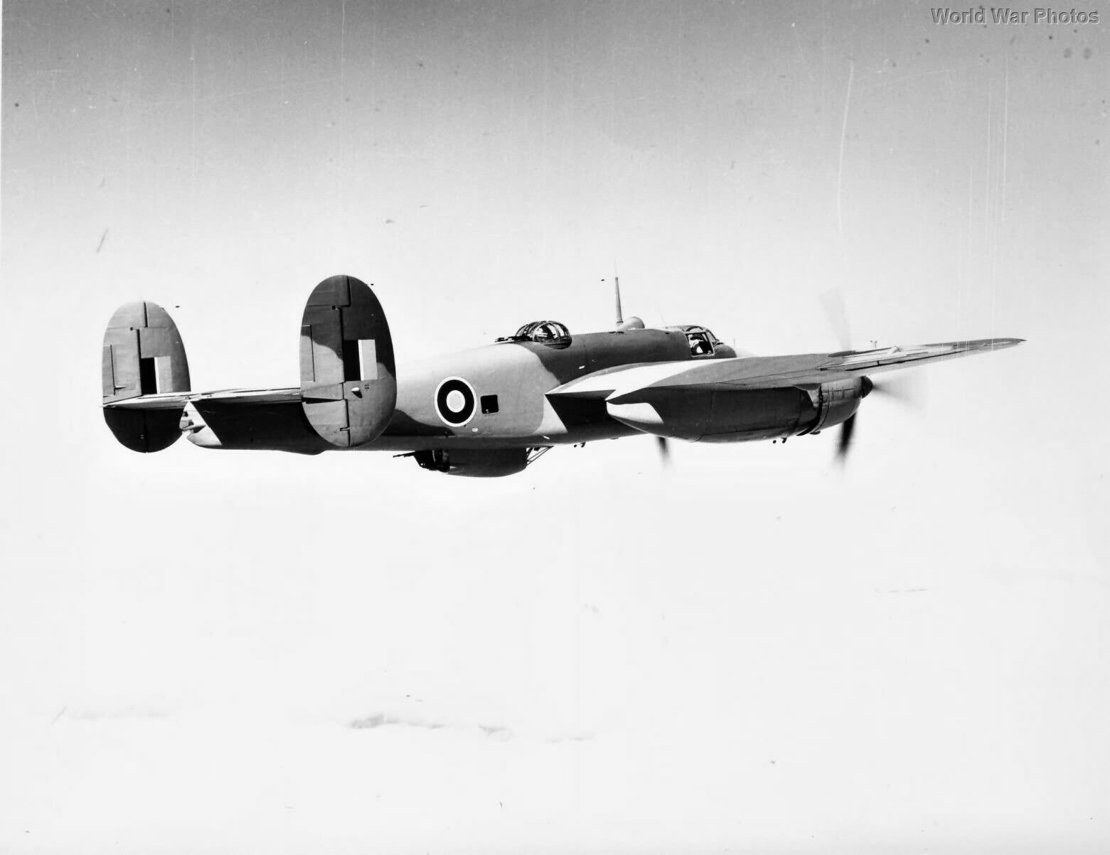 Bristol Buckingham B.I KV310 in flight