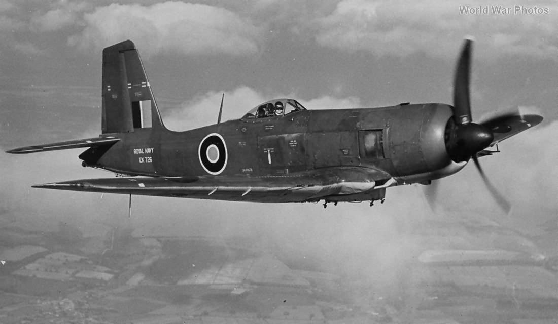 Blackburn Firebrand TF.5 EK726 in flight