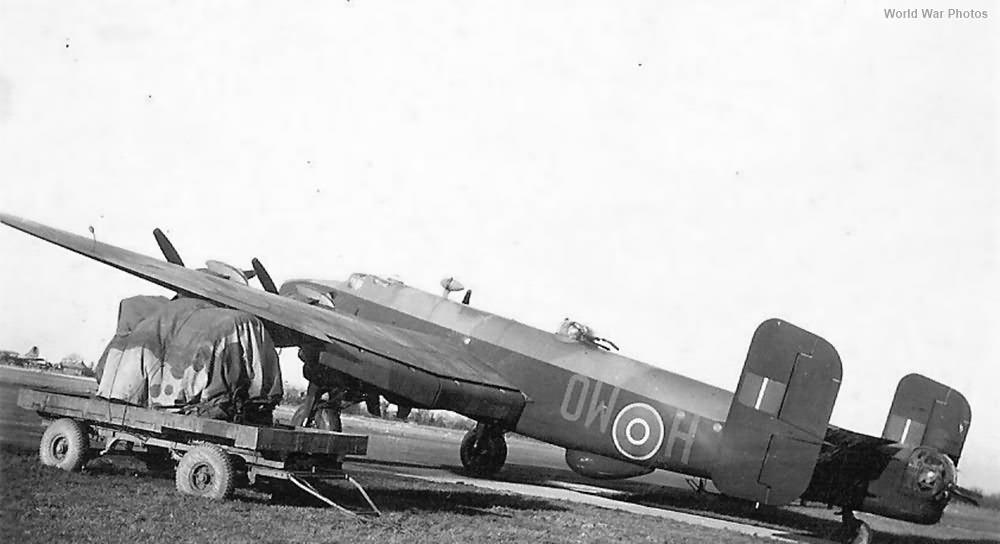 26 Squadron RCAF Halifax
