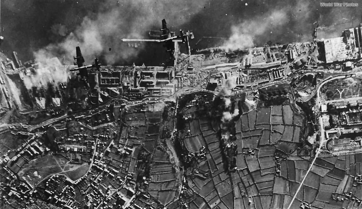 35 Squadron Halifax bombers over Brest 18 December 1941