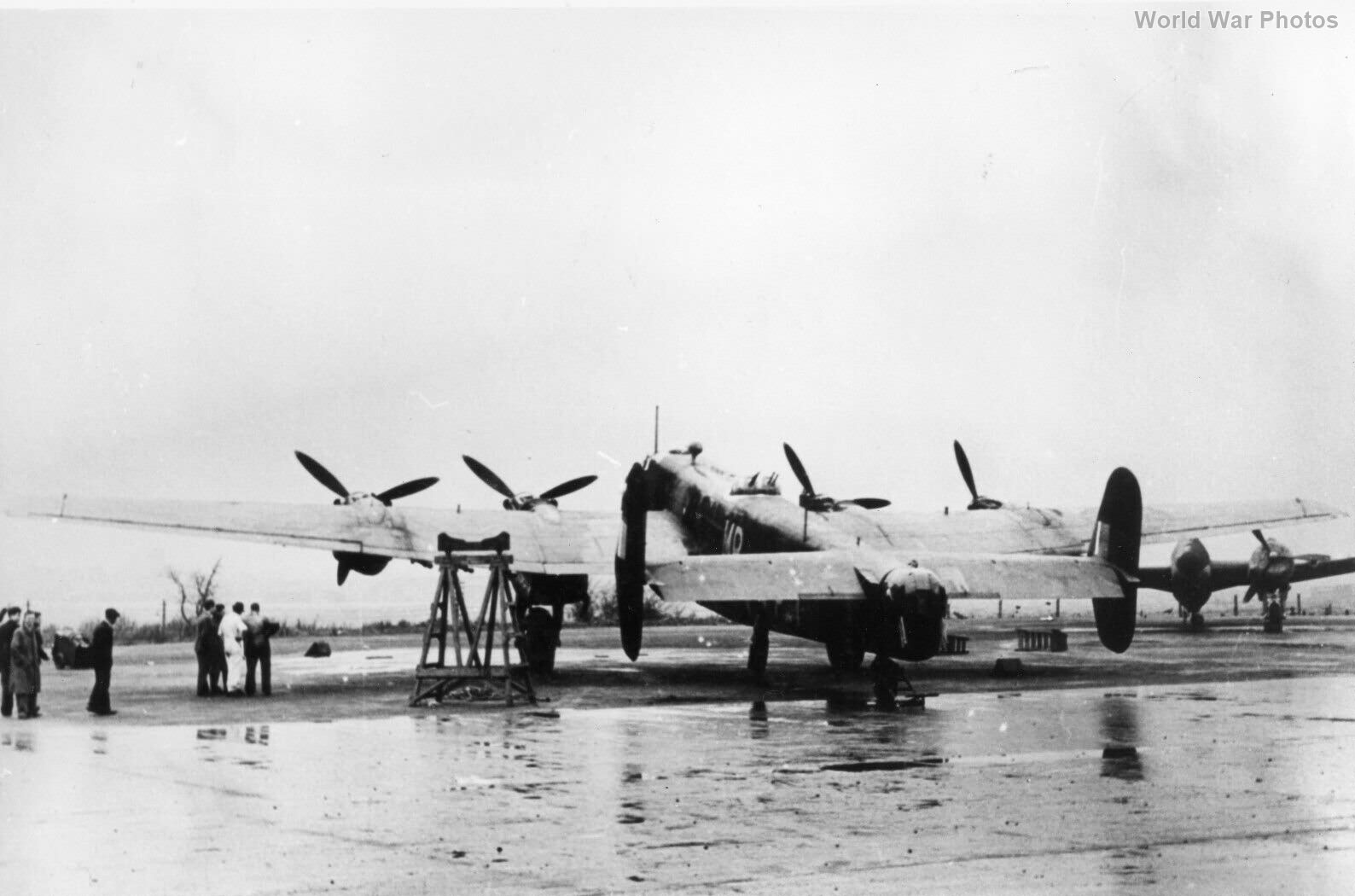 Halifax 76 Sqn with Bristol B12 Mk 1 turret
