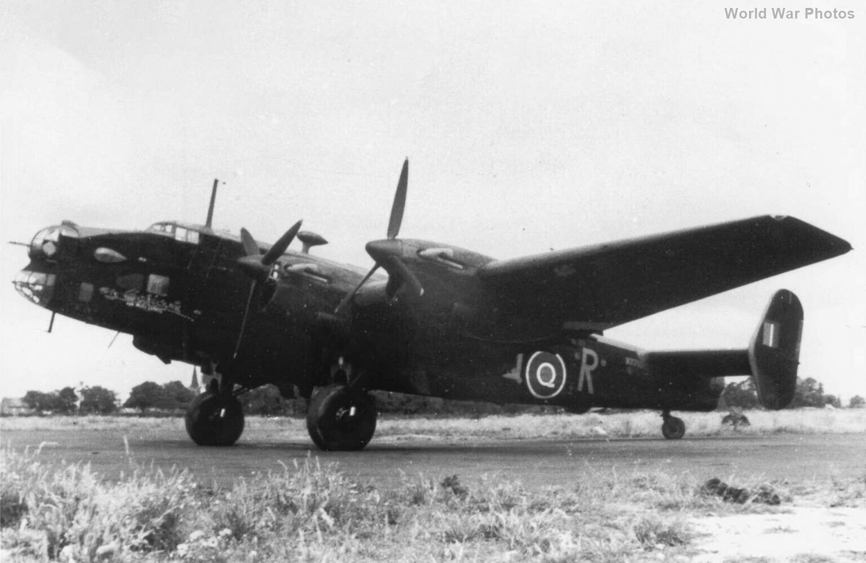Halifax II 405