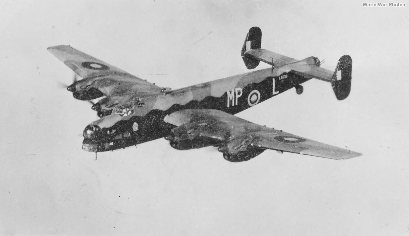 Halifax I Series 1 L9530 MP-L 76 Sqn 2