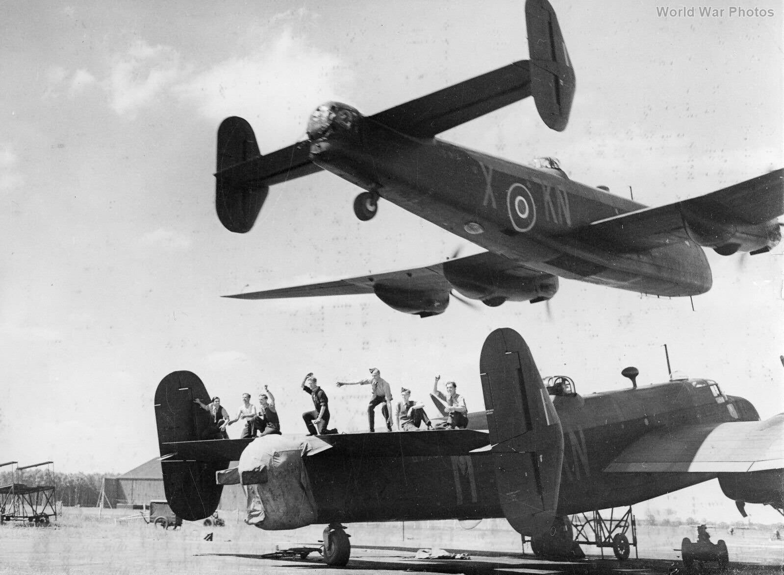 Handley Page Halifax JB911 KN-X