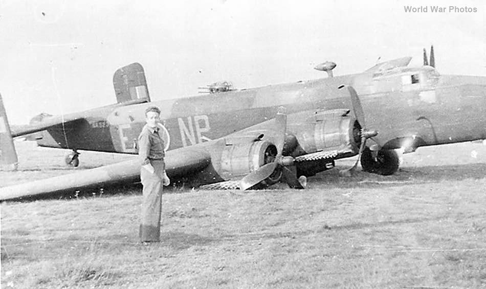 Handley Page Halifax NP-E