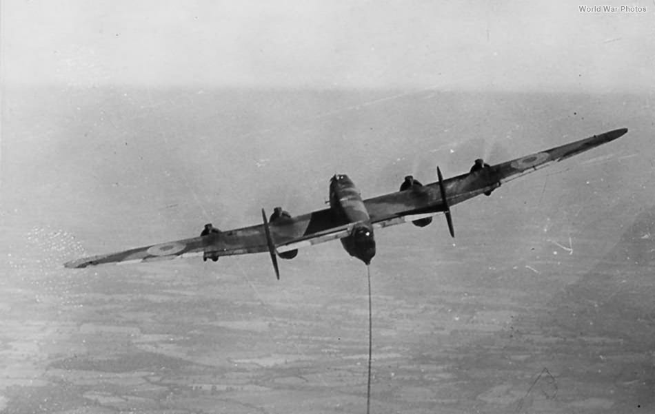 Halifax towing Horsa glider